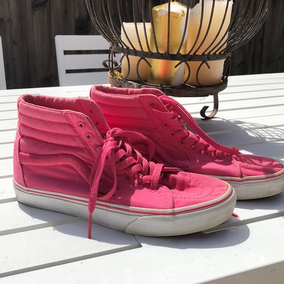 061447482a Limited edition High top solid pink Vans. M 5ab553ca45b30ce01322fc01